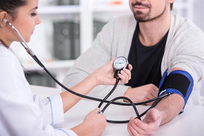 fazer check up médico